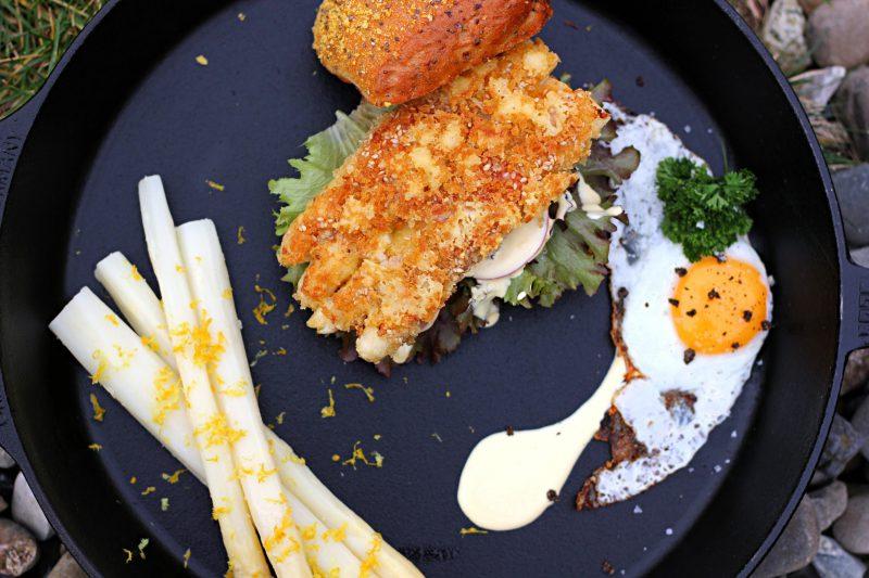 Parnierter Spargel-Burger